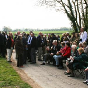 Crowds before the dedication